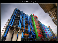 Paris - Centre Pompidou: living my all time dream :: HDR (raul_pc) Tags: paris canon sigma raul bp 1020 centrepompidou hdr beaubourg flickrsbest 450d baladesparisiennes