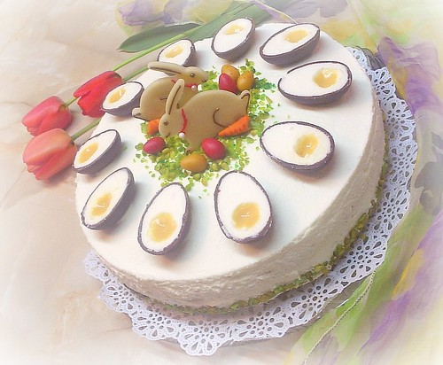 Easter Cake with Egg-liquer by you.