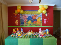 Flickr 003 (CONFETTI paperie) Tags: backyardigansparty backyardiganscake backyardiganscupcake backyardigansfavors