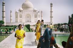 Girls, Taj Mahal