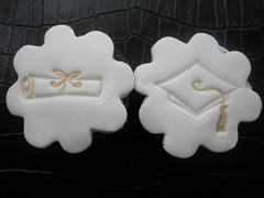 Graduation Mini Cupcakes (ladybugluggage) Tags: white gold diploma chocolate fondant graduationcap minicupcakes