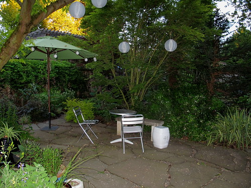 back yard, lanterns, stool