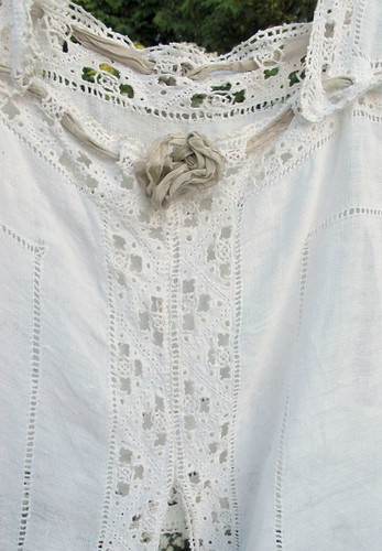 linen and lace details