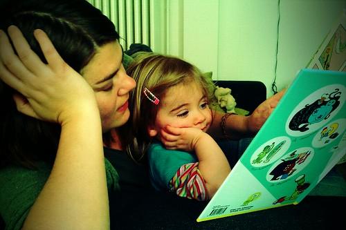 mijn lief doet een fotoreportage van zijn lezende vrouwen (fin)