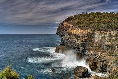 THE TASMAN BLOWHOLE - TASMANIA - AUSTRALIA - HDR (Stephan Roletto) Tags: animal animals canon landscape eos mark australia frog ii 1d l hdr  pictureperfect phyllomedusa tomopterna