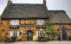 Buildings: Ye Olde Pub (Tim Blessed) Tags: uk buildings pubs cottages thatchedroofs singlerawtonemapped countryvillages