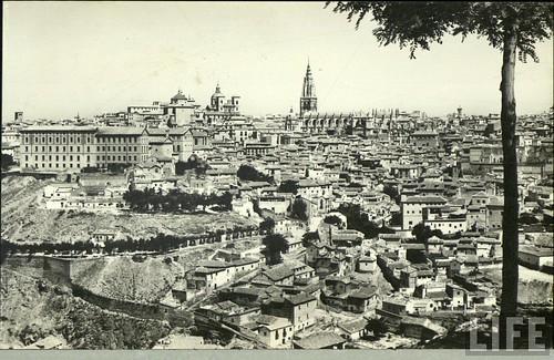 Vista general de Toledo a principios del siglo XX. Archivo de la Revista Life