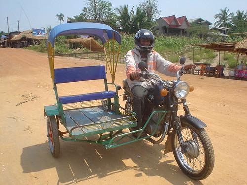 18.寮國風味的tuk-tuk(嘟嘟車)
