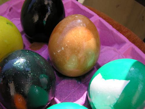 A barna-fehér tojás