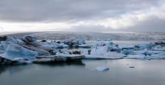 Iceland - Jkulsrln (Fizz & Costy) Tags: iceland foto movies iceberg tombraider jokulsarlon batmanbegins blueice islanda dieanotherday aviewtoakill glaciallagoon vatnajkullglacier