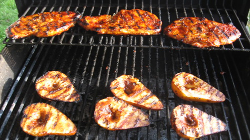 Honey BBQ chicken breast & grilled pears w/ vanilla mascarpone
