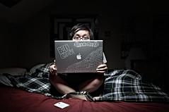 Mac Crazy (benchau.com) Tags: lighting portrait apple beauty self grid mac nikon dish alien bee 3g pro 40 degree cst 17inch iphone 18105 avenger d90 cstand macbook strobist b1600 csrb cybersyncs benchau