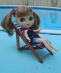 Shannon spending the  holiday chillin by the pool