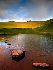 Pen y Fan from Llyn Cwm Llwch (mikerob_s) Tags: mountain lake nationalpark breconbeacons tarn cribyn corndu