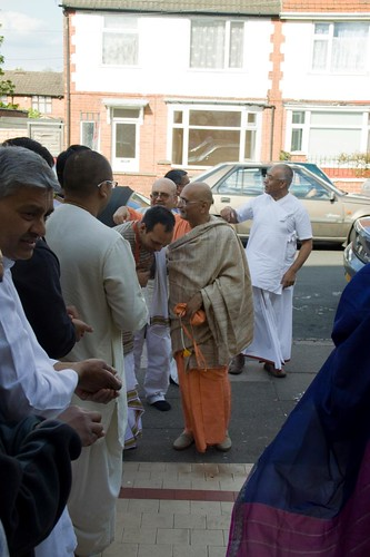 H H Bhakti Caru Swami 2010 - 0030 por ISKCON desire tree.