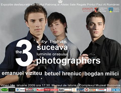 the 3 photographers (Betuel H.) Tags: camera 3 art boys photo nikon foto fotografie photographers romania citylights photoexhibition bucovina suceava fotografii expozitia emanuelviziteu betuelhreniuc bogdanmilici luminileorasului