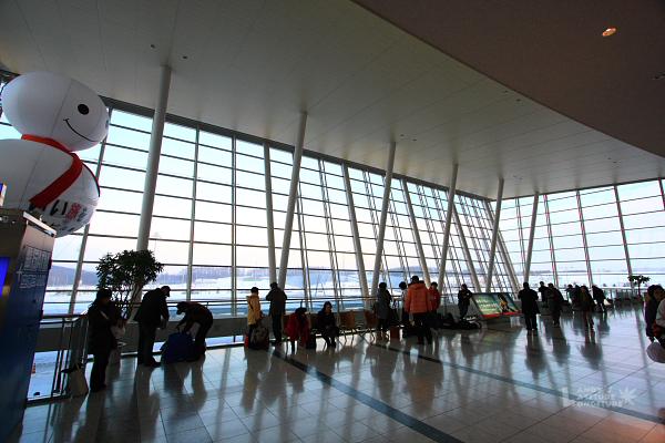 2009北海道-D5-6-旭川機場_12.jpg