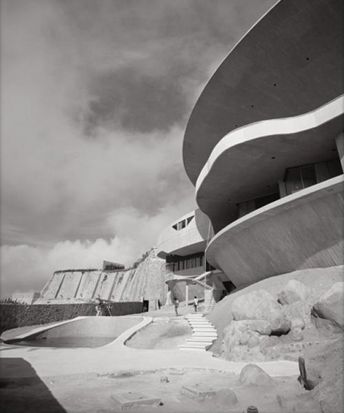 John Lautner, Arango House, Acapulco, photographed by Julius Shulman