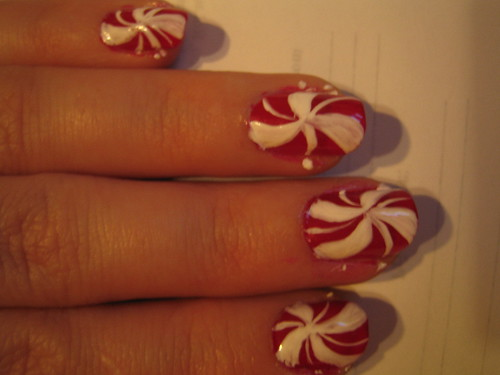 Christmas peppermint nail design