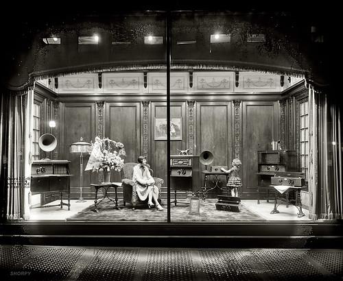 Atwater Radio Window Display, 1928