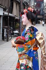 enjoy her smile (ganessas) Tags: street color smile japan catchycolors kyoto geisha h9 kymono heartawards