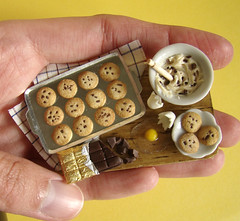 Miniature Food - Cookie Prep Board (PetitPlat - Stephanie Kilgast) Tags: broken cookies miniatures cookie chocolate dough egg plate polymerclay fimo biscuit minifood 112 preparation dollhouse miniaturefood puppenhaus miniaturen oneinchscale petitplat prepboard oeufcass