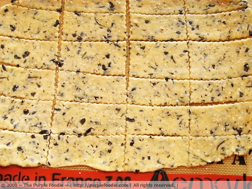 Olive and rosemary crackers