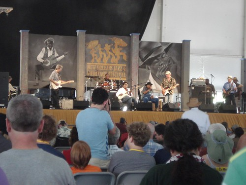 rockin' tabby thomas at jazzfest's blues stage