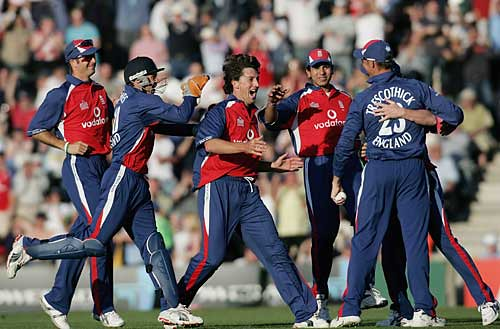 The Australian humiliation-Australia vs England T20 The Rose Bowl Southampton 2005