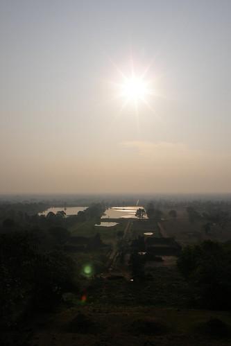 021.清晨的陽光照耀在Champasak平原 (1)