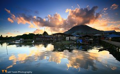 Reflection of Jailolo (yadiyasin) Tags: sunset indonesia market jetty 100v10f soe fesh blueribbonwinner photographyrocks mywinners platinumphoto jailolo colorfullaward sunsetsandsunrisesgold platinumpeaceaward waterenvirons yadiyasinfotografernet yadiyasinphotography