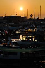 SunSet (@maurourrutia) Tags: chile sunset sol contraluz botes muelle mar nikon barcos cielo puestadesol oceano iquique caleta tarapaca 55200mm nikond60 xvirousx maurourrutia