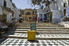 Way to Pushkar sarowar (Sapna Kapoor) Tags: india religion pushkar rajasthan sarowar