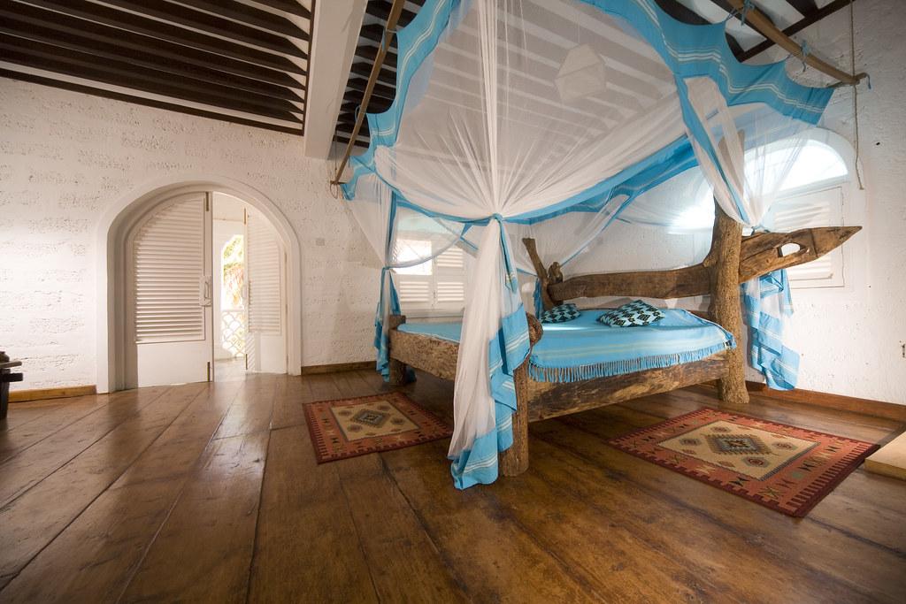 swahili driftwood bedroom