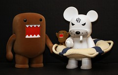 Day 136 - The boys were hinting where they wanted us to spend the day. (SHARKBAYTE) Tags: bear family friends brown white fun toys japanese prime fuzzy cigarette humor vinyl collection domo nautical collectors domokun furball fuzzball dailies darkhorse flocked qeetoys vinyltoys frankkozik project365 jfigure jtoys 365project janime anarqee inourprime sharkbayte jmanga eos1000mmf28lusmmacro billybobbadassbear