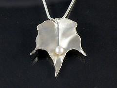 """Autumn Leaf"" Silver Necklace (EfratJewelry) Tags: silver handmade jewelry pearls jewellery pearl sterling 925 silversmith metalsmith sterlingsilver כסף פנינה סטרלינג תכשיטים שרשרת תליון תליונים שרשראות צורפות עיצובתכשיטים פנינים efratjewelry"