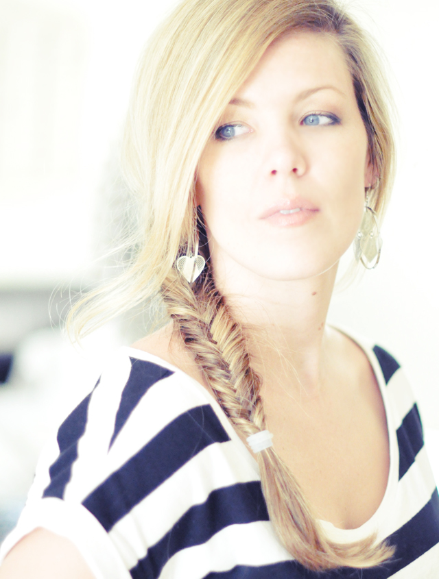 Hair Tutorial // How-to Fishtail Braid -Photos+Video ...