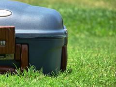 Vacation... (alsay) Tags: blue summer vacation green beach grass picnic box luggage saudi arabia bagage yanbu foshi