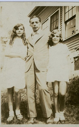 Lillian Kirschen (Foreman) Simon Kirschen of Berlod Rumania, and Florence Kirschen (Otway) in Boston 1929