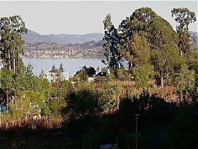 Ecuador-Lake-Property
