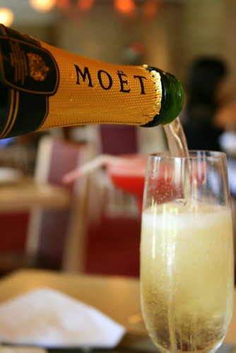 Free-flow Moet & Chandon