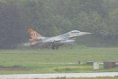 FA-87 F-16AM Belgian Air Force (eigjb) Tags: belgium f16 airbase tlp lockheedmartin generaldynamics f16a fightingfalcon belgianairforce florennes f16am ebfs fa87 tigercolours
