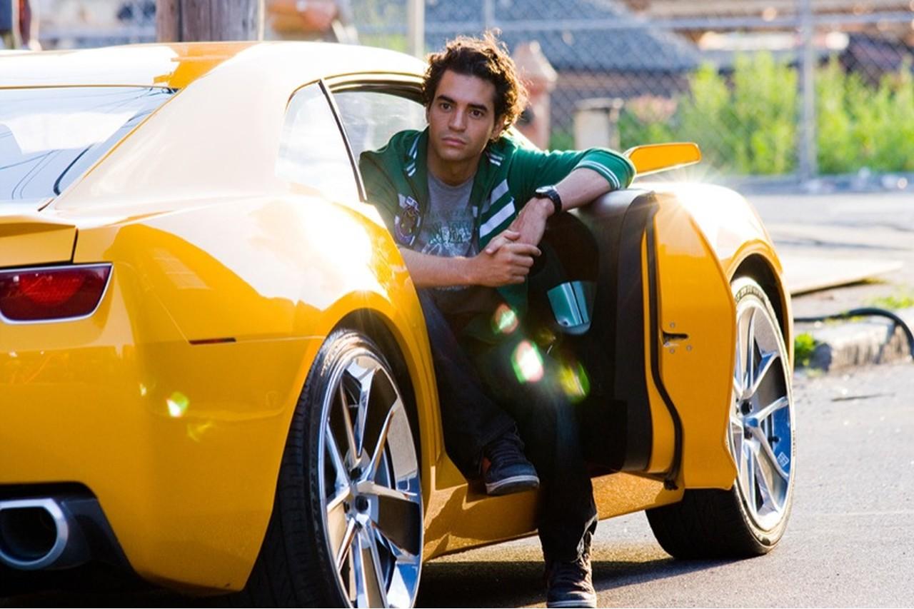 Transformers 2 Ramon Rodriguez y Bumblebee