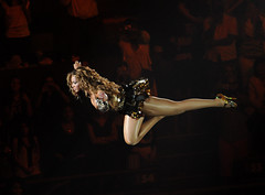 Super Beyonce (noamgalai) Tags: nyc music ny newyork fly flying photo concert tour picture superman photograph iam msg madisonsquaregarden 2009 knowles   beyonce beyonc  noamg flighing beyoncknowles noamgalai   sitemusic