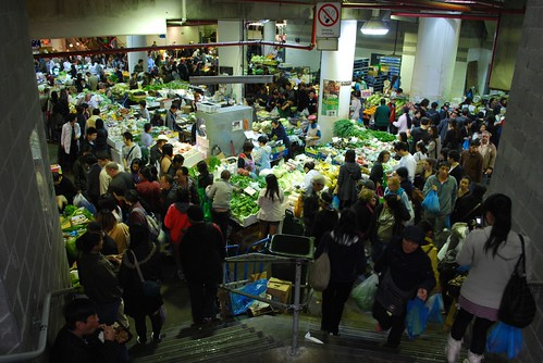 Throngs grabbing a bargain - Sunday afternoon, Paddy's Market, Sydney