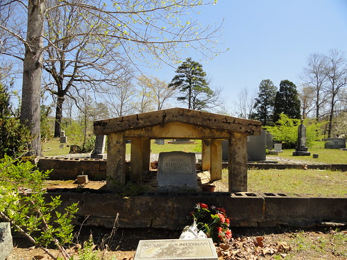 Graveshelter, Hopewell Cemetery, St. Clair County Alabama
