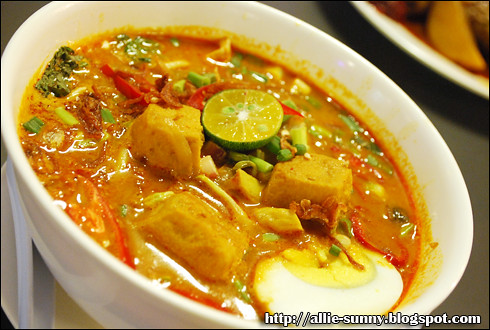 JJ Cafe Curry Mee