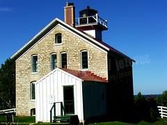 2005-09-27 245 Washington&Rock Islands,WI (Badger 23 / jezevec) Tags: 2005 lighthouse wisconsin faro farol phare doorcounty fyr leuchtturm rockisland washingtonisland   latarniamorska  jezevec majk majakka 20050927   tuletorn  lumturo   badger23