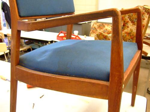 Lumpy seat (by ann-dabney)
