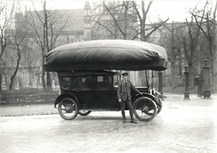 Taxi driver and his cab (1917) (Trondheim Byarkiv) Tags: blackandwhite bw history norway vintage norge blackwhite cathedral cab taxi archive archives bil taxidriver trondheim srtrndelag 1917 historie census nidarosdomen nidaros sjfr veteranbil trndelag svarthvitt nidaroscathedral arkiv munkegata trondhjem drosje garmo byarkiv trondheimkommune bispegata kristkirken greatwararchive motorvogn isakgarmo trondhjemsdomkirke folketelling domkirkenitrondheim